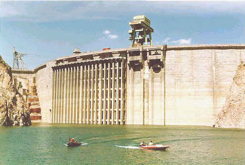 Longyangxia Dam, China